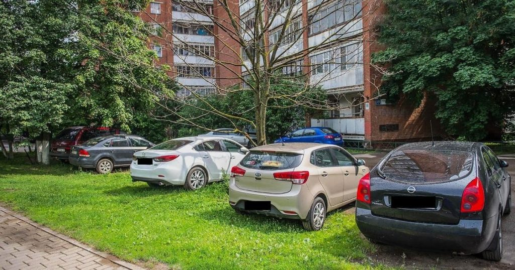 Камеры видеонаблюдения смогут фиксировать парковку на газонах и тротуарах